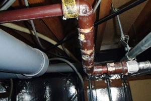 天井給湯管水漏れ修理